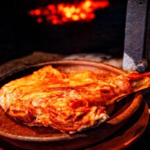 Lechazo churro asado de Sacramenia José Sombría